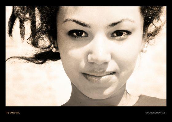 THE SAND GIRL © olivier l'hommais