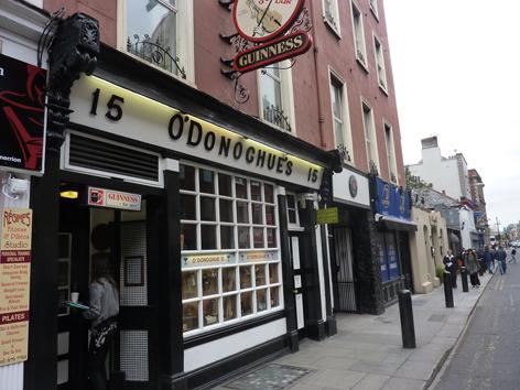 the singing pub