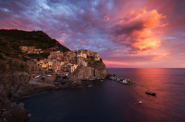 ... the sky above manarola