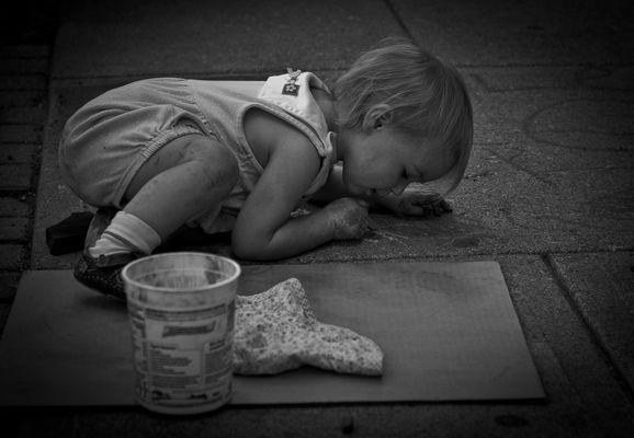 The Smallest Chalk Artist