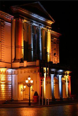 Theater in Schwerin bei Nacht
