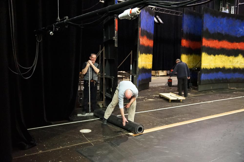 Theatro del Liceu - Verlegen des Tanzteppichs