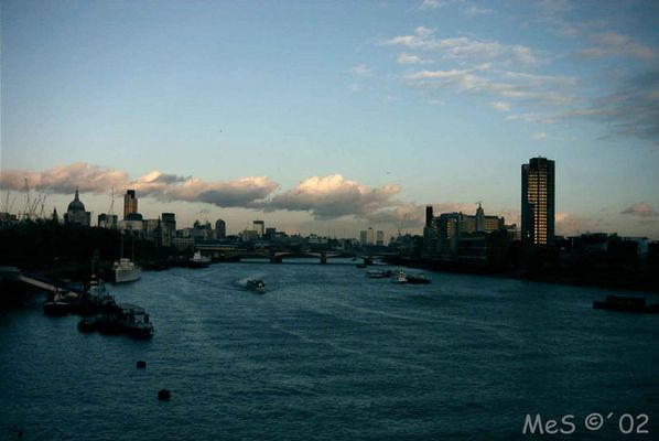Themse - Die Ruhe vor dem Sturm