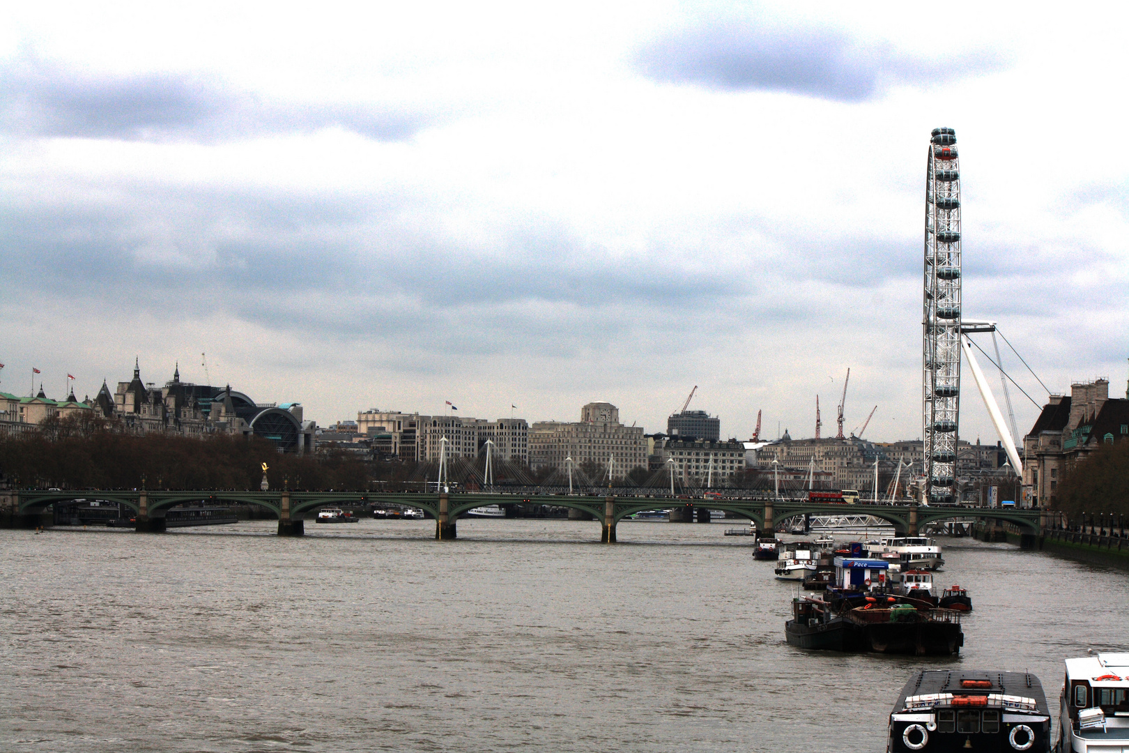"""Themse & London Eye"""