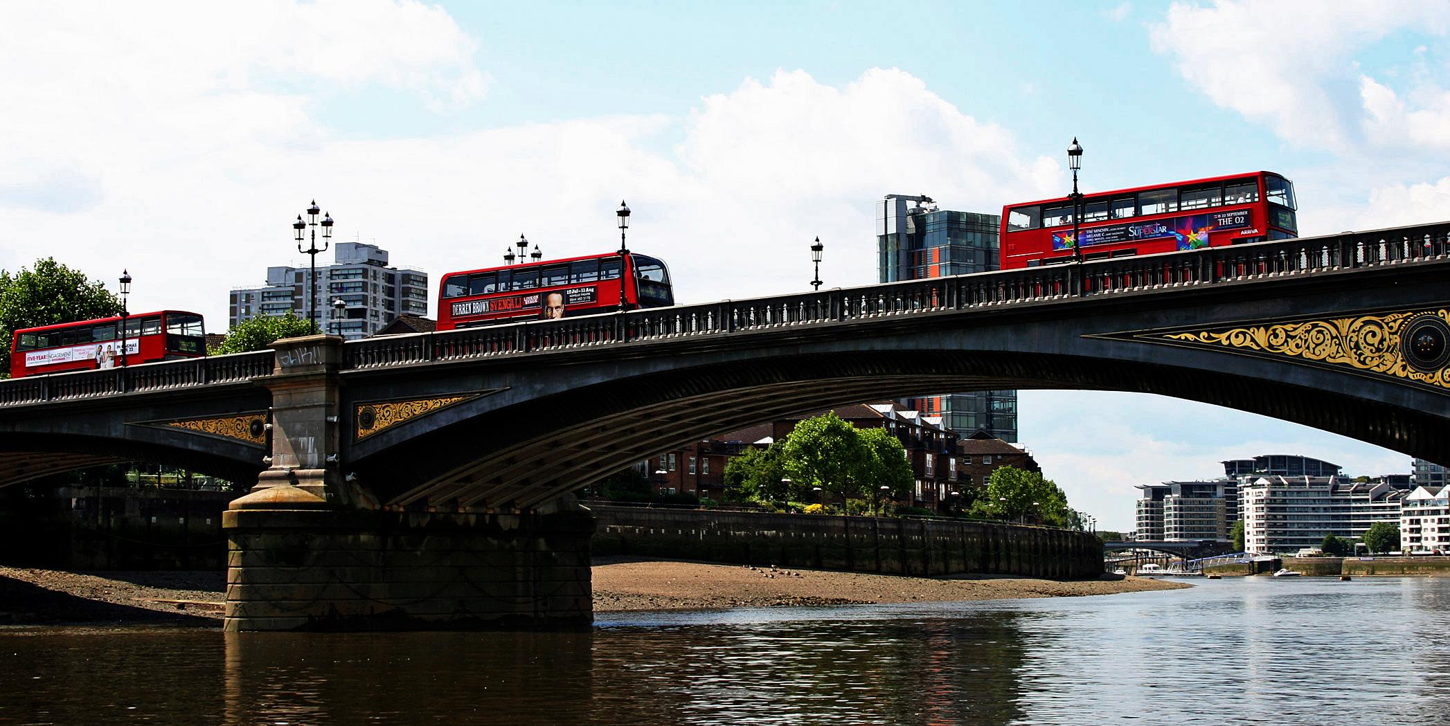 Themsefahrt: Battersea Bridge - einst von Schiffern gefürchtet