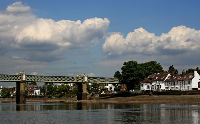 Themsefahrt von London nach Hampton Court 85: Kew Railway Bridge