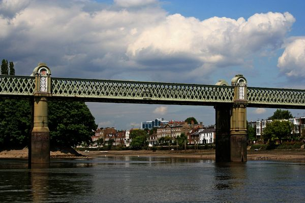 Themsefahrt von London nach Hampton Court 86: Kew Railway Bridge
