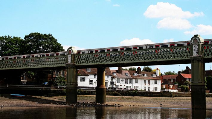 Themsefahrt von London nach Hampton Court 89: Kew Railway Bridge