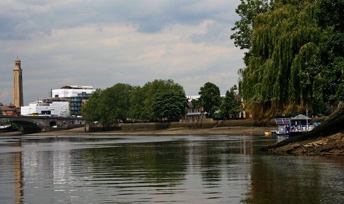 Themsefahrt von London nach Hampton Court 90