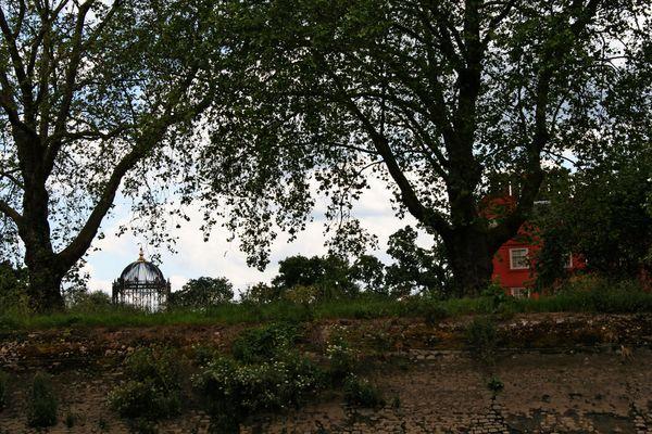 Themsefahrt von London nach Hampton Court 98: Kew Garden Region