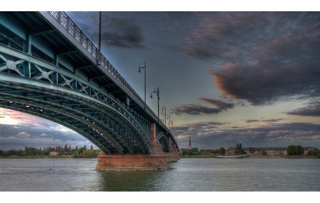 Theodor Heuss Brücke Mainz