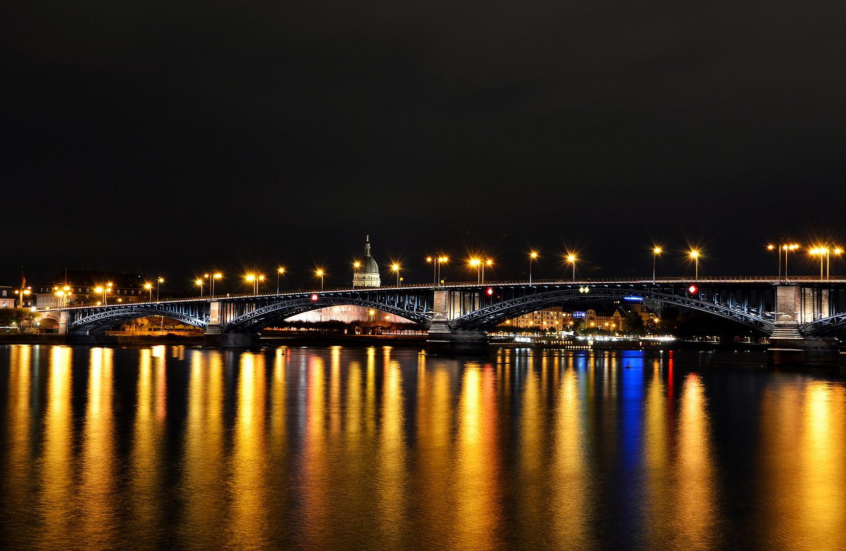 Theodor-Heuss-Brücke Mainz - Wiesbaden