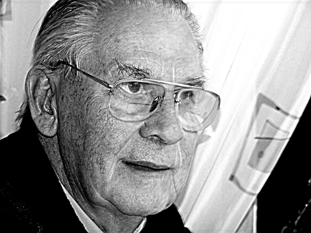 There is always something there to remind me off you ! 21.05.1920 - 11.10.2007
