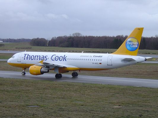 Thomas Cook Taxiing to GATE in HAM