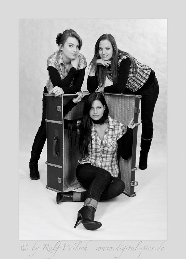 Three Ladys I