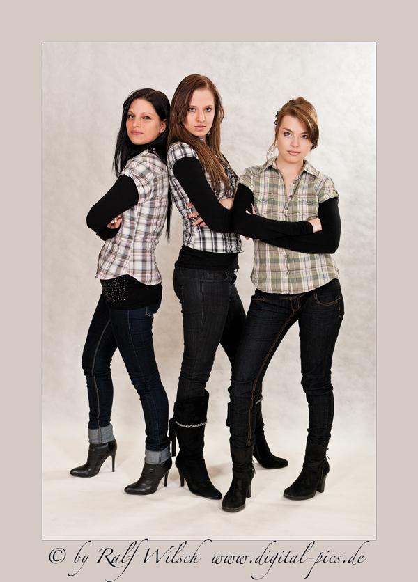 Three Ladys II