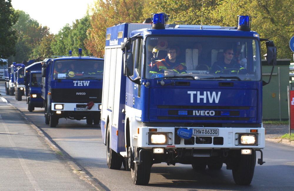 THW OV Offenbach auf dem Marsch zur Übung