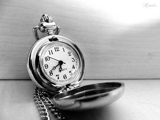 Tic, tac. Tic, tac.