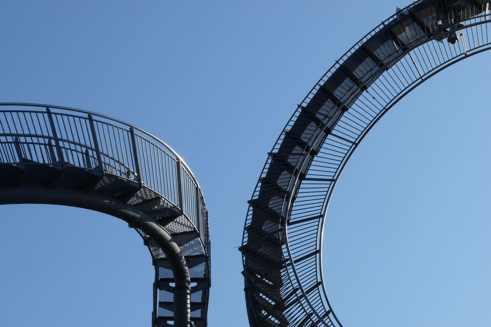 Tiger and Turtle - Ausschnitte