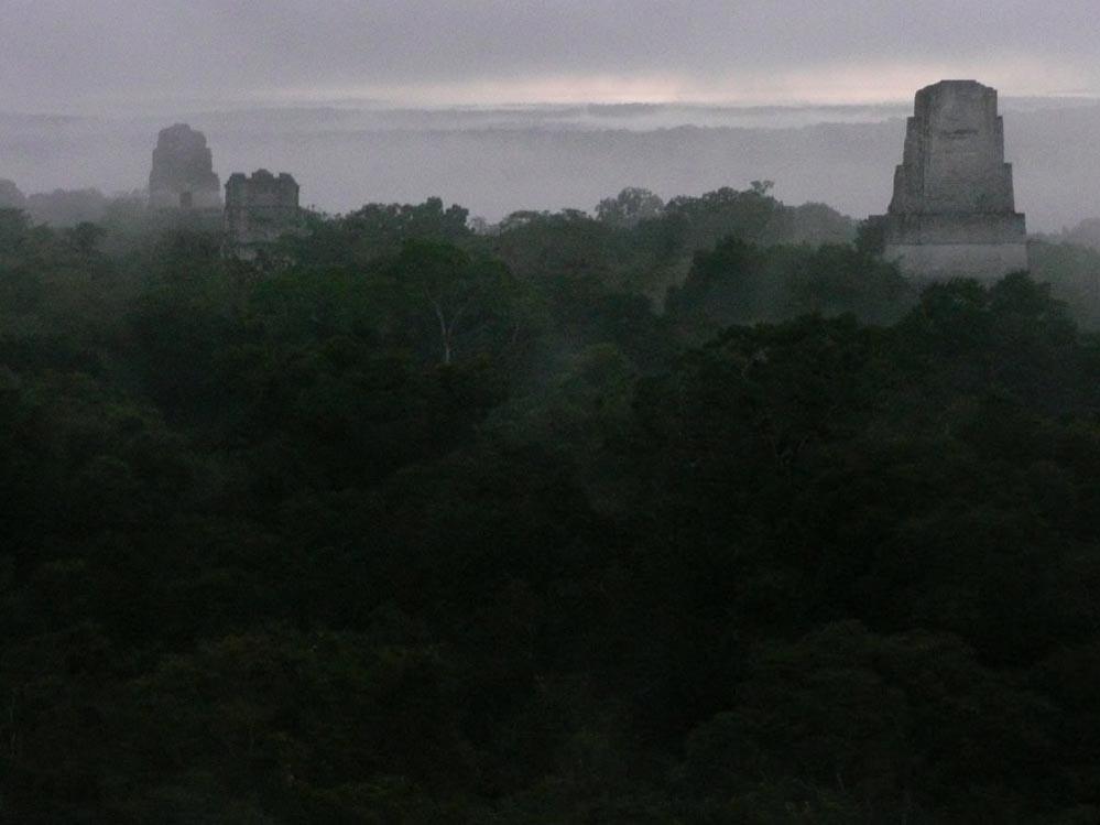 Tikal l'aurora ore 06.00 (Guatemala)