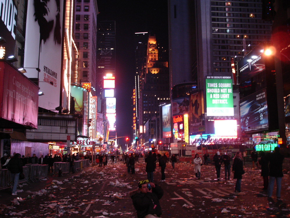"Times Square mess after ""Silvester"""