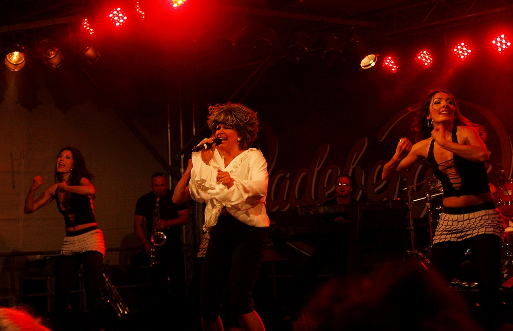 Tina Turner Revival Show (II)