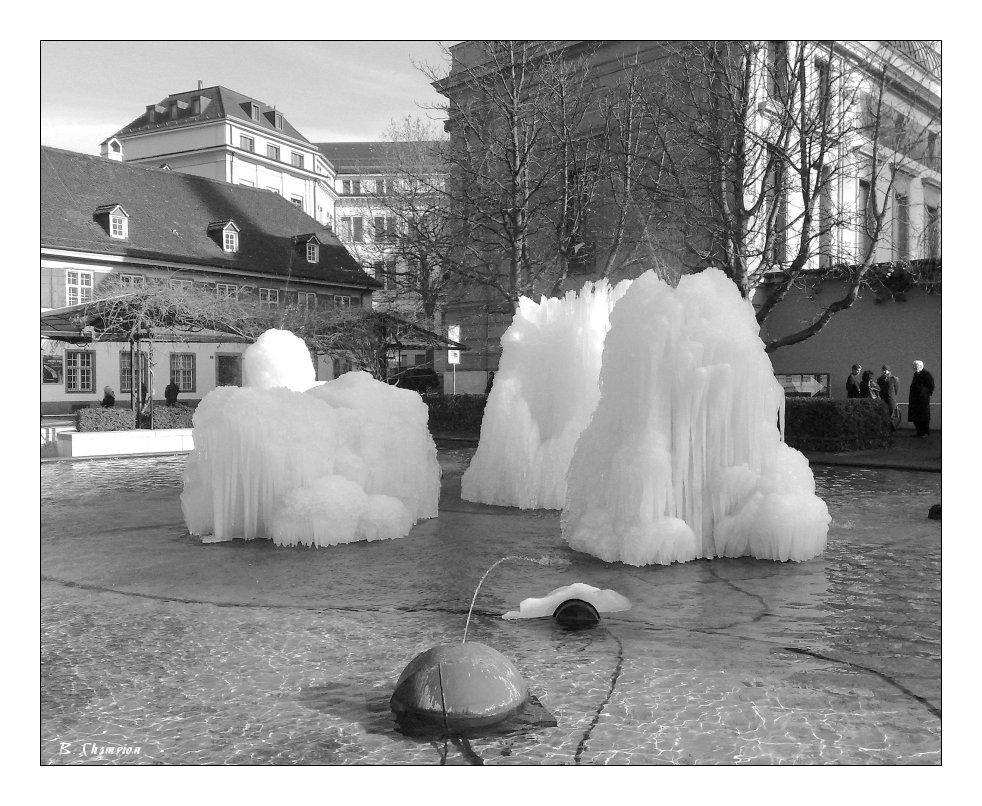 Tinguely Brunnen im Winter Part2