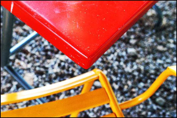 Tisch und Stuhl
