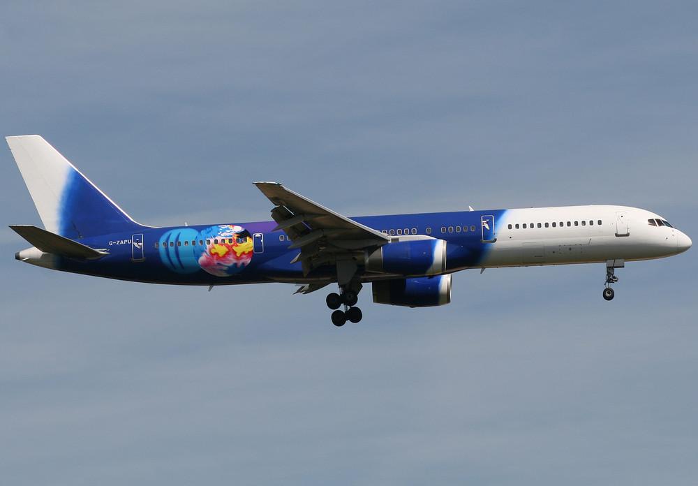 Titan Airways B757