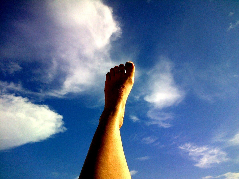 tocar el cielo con los pies