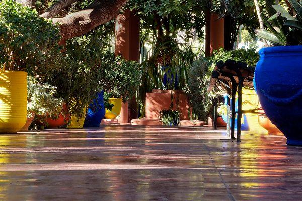 Töpfe im Jardin Majorelle in Marrakech