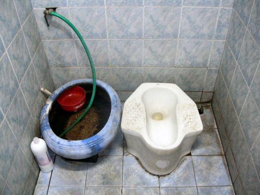 Toilette in der Nathalie Bar