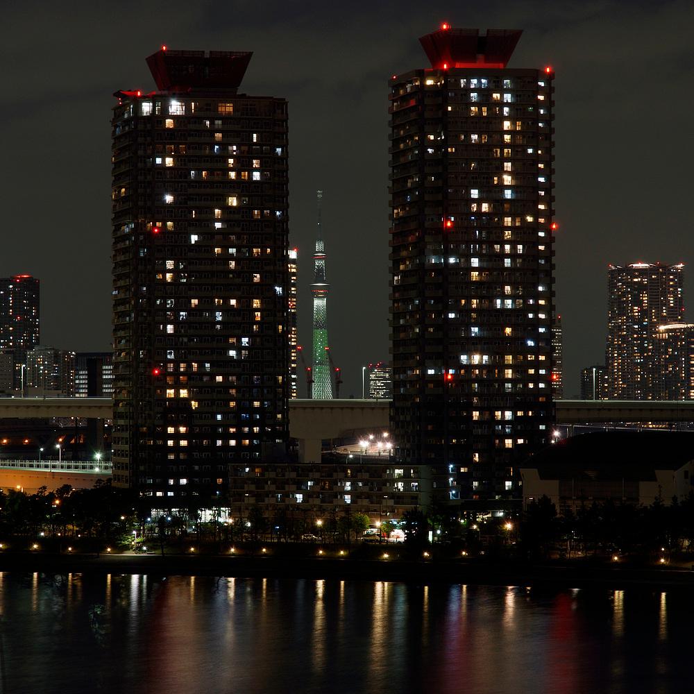 Tokyo - Skytree between