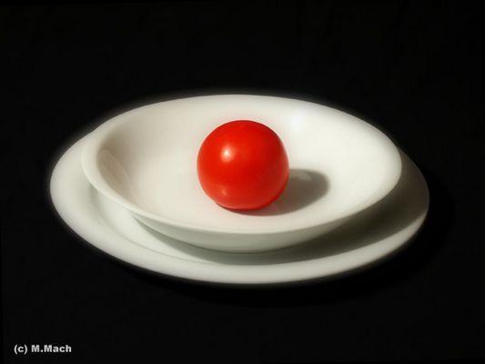 Tomate im Teller