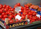 Tomaten auf einem Markt in Bologna