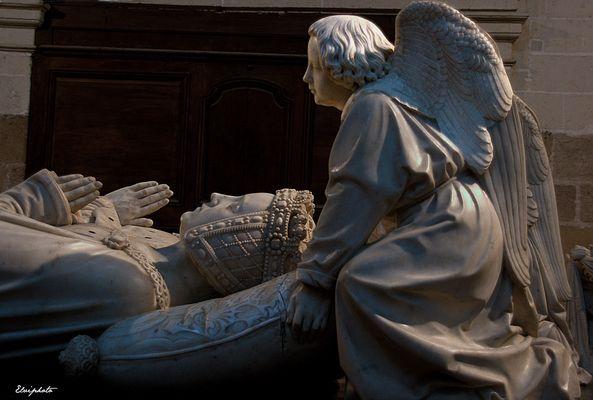 Tombeau de Marguerite de Foix