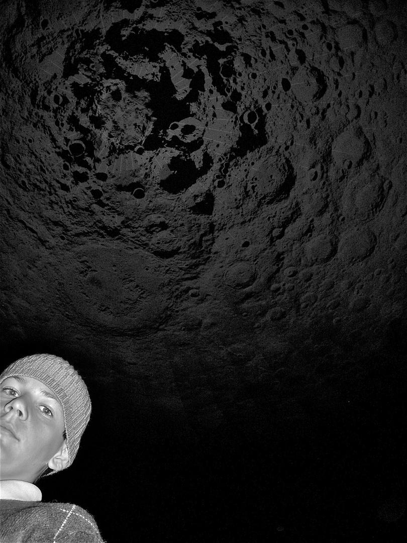 Tommy am 13.6.2009 unter dem Südpol des Mondes im Gasometer Oberhausen