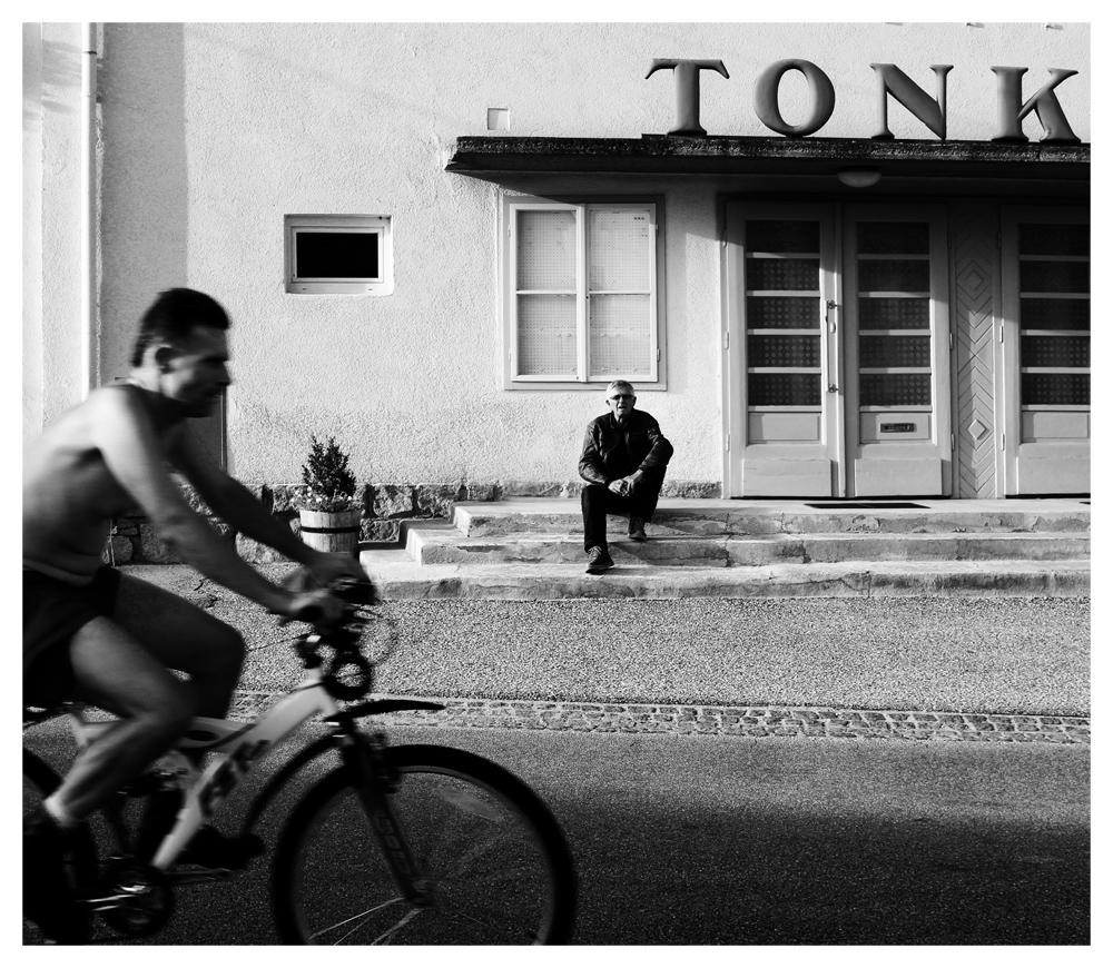 Tonk.