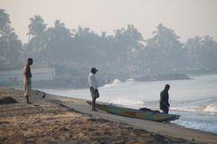 TOPP TIPP (1-A ) Strände in SRI LANKA - Foto: 3 Fischer am Strand
