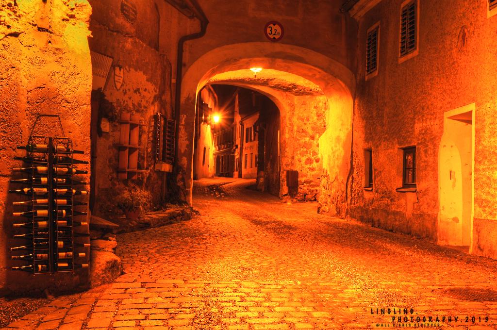 Tor zu Dürnstein bei Nacht