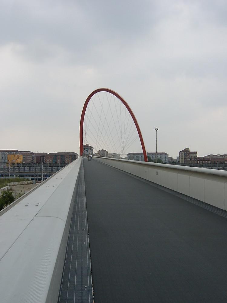 TORINO, Arco olimpico in red, 2006
