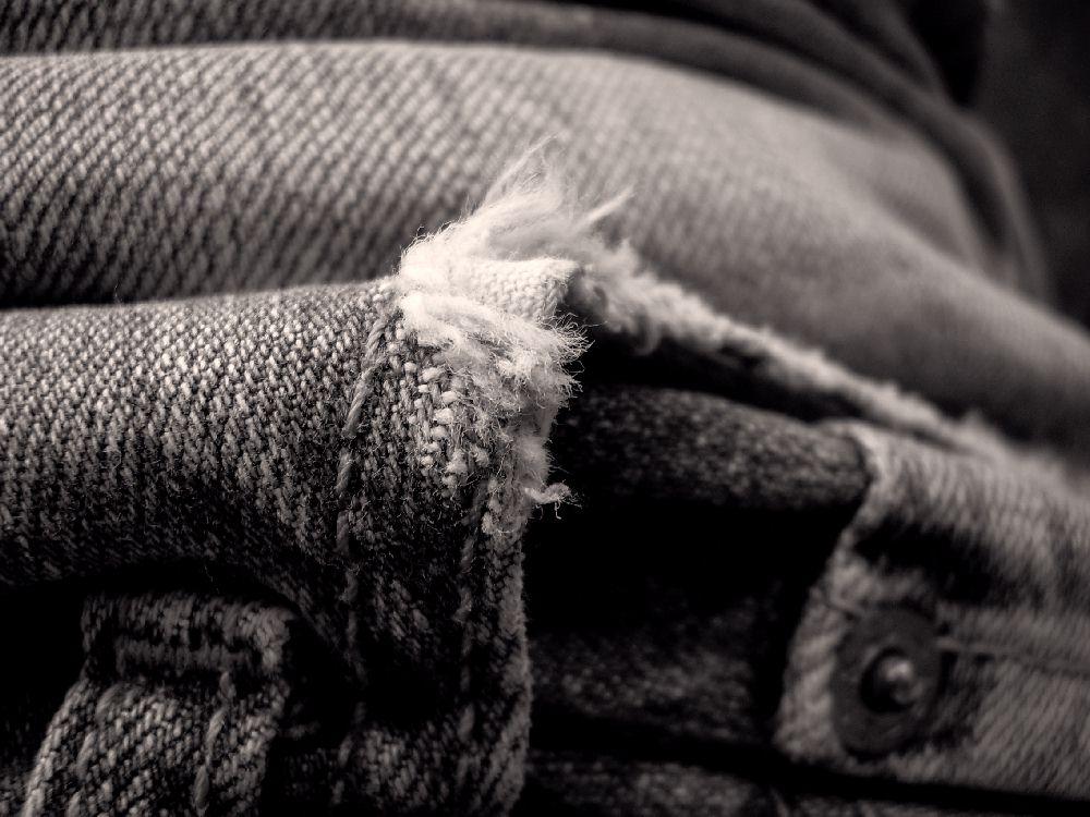 torn Jeans - Test