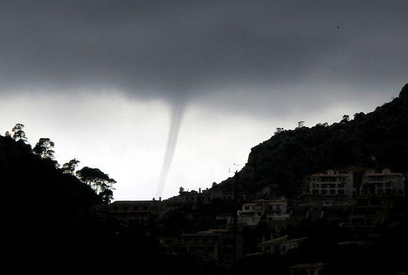 Tornado über Port d'Andratx, Mallorca, 18. Mai 2008