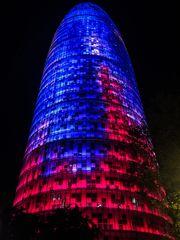Torre Agbar bei Nacht