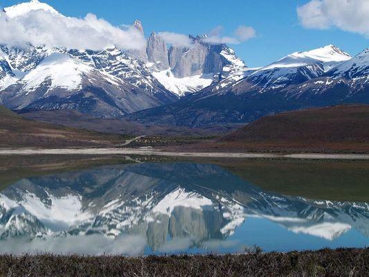 Torres del Paine gespiegelt