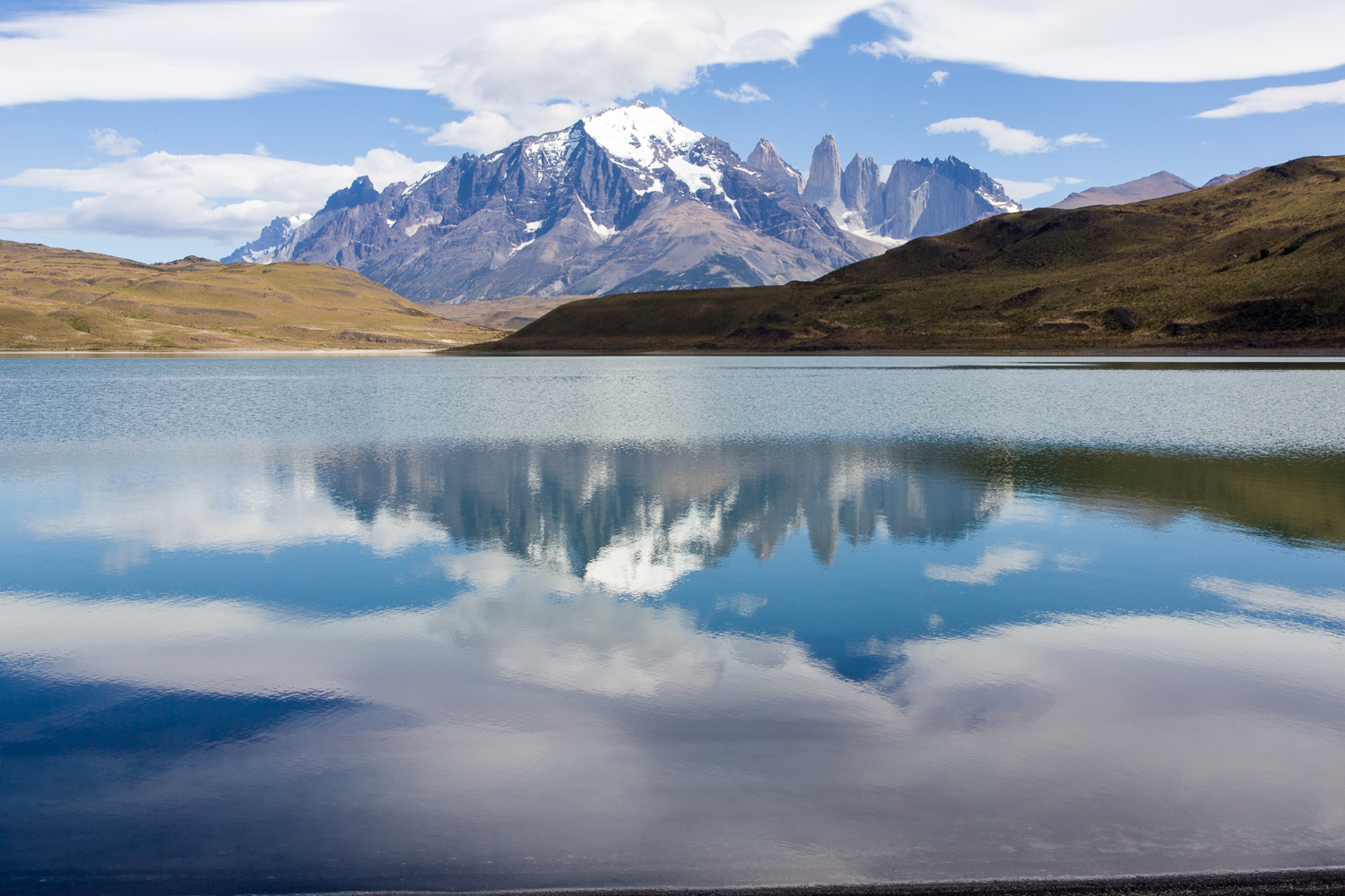 Torres del Paine mit See
