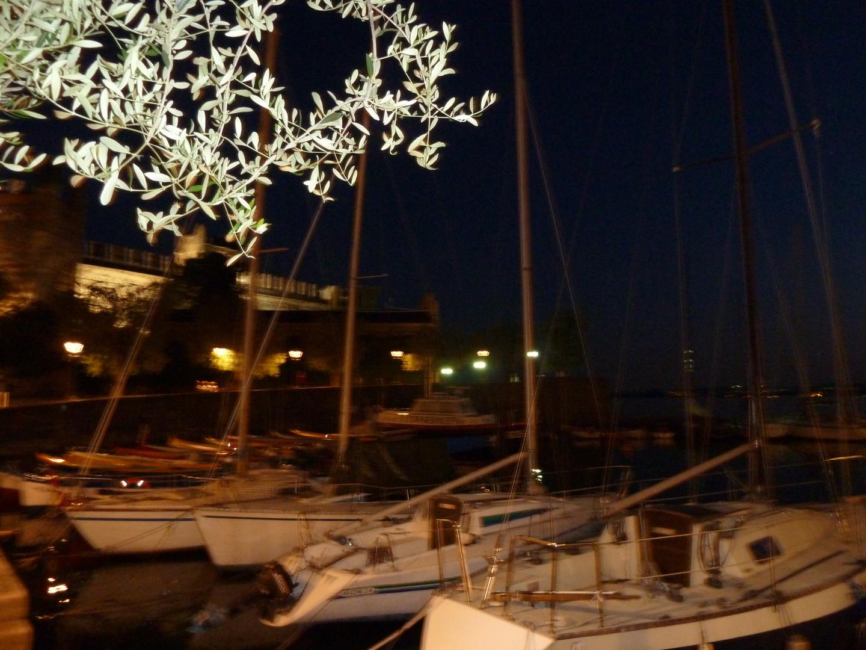 Torri del Benaco bei Nacht