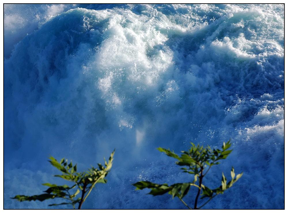 Tosendes Gewässer