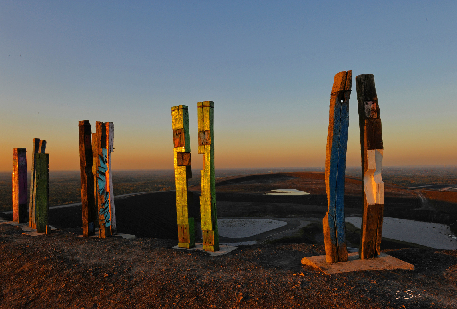 Totems (2)