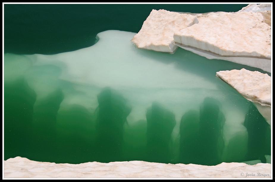 Totensee auf dem Grimselpass (befreiung von Eis und Schnee)